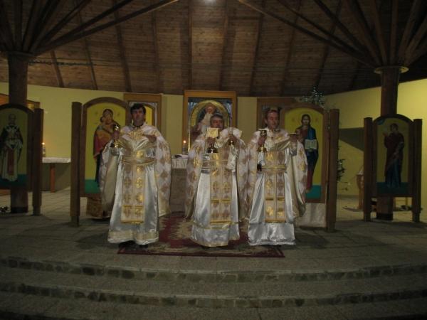 Polnočná svätá liturgia